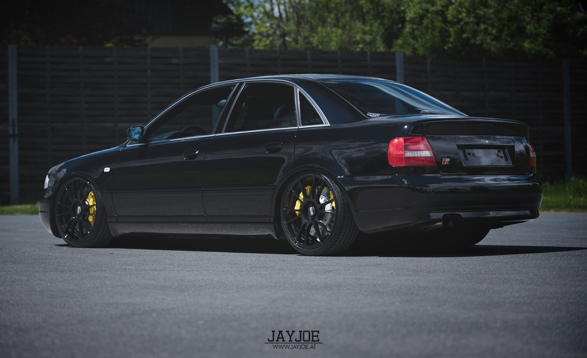 B5 S4 Black